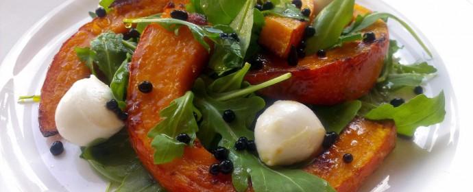 Salát s pečenou dýní a balsamicovým kaviárem