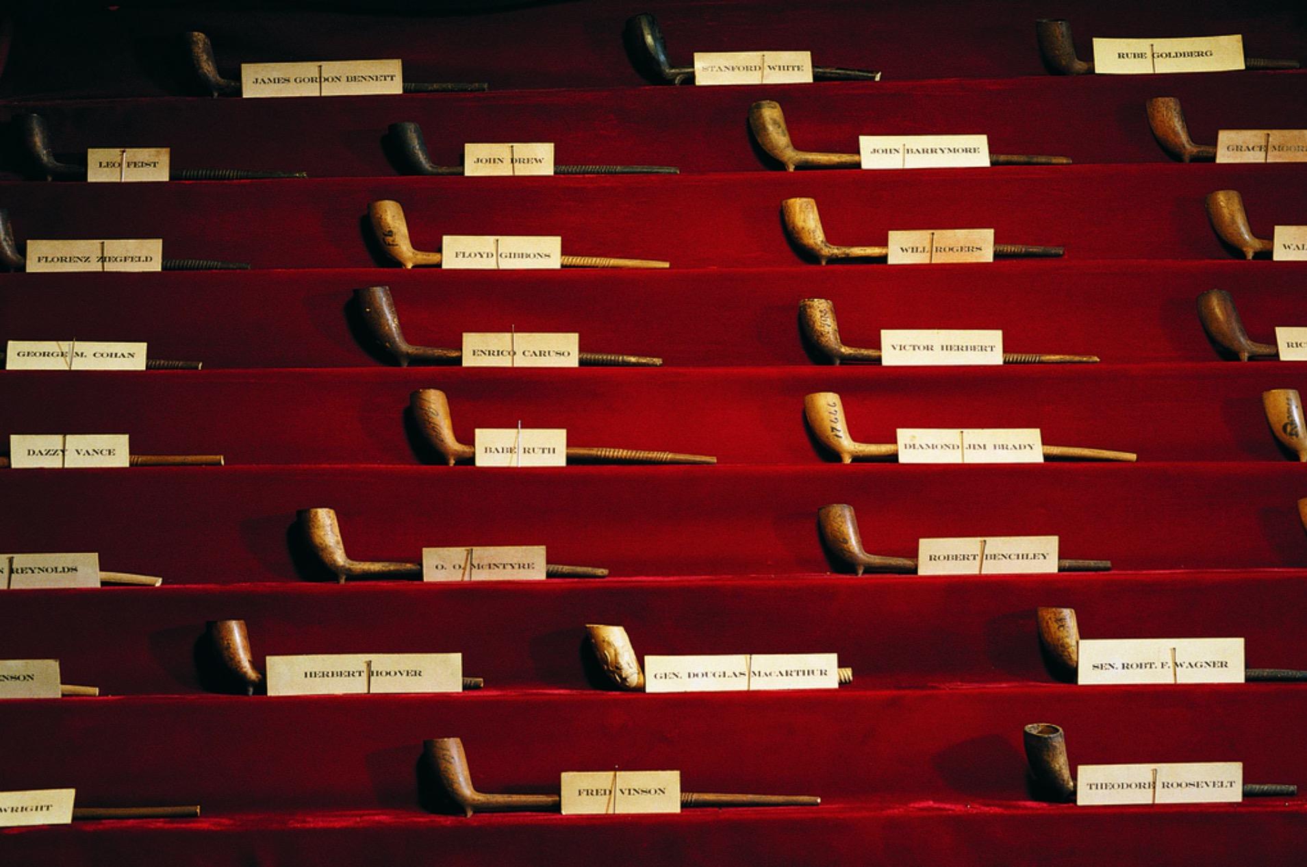 Sbírka dýmek v Keens