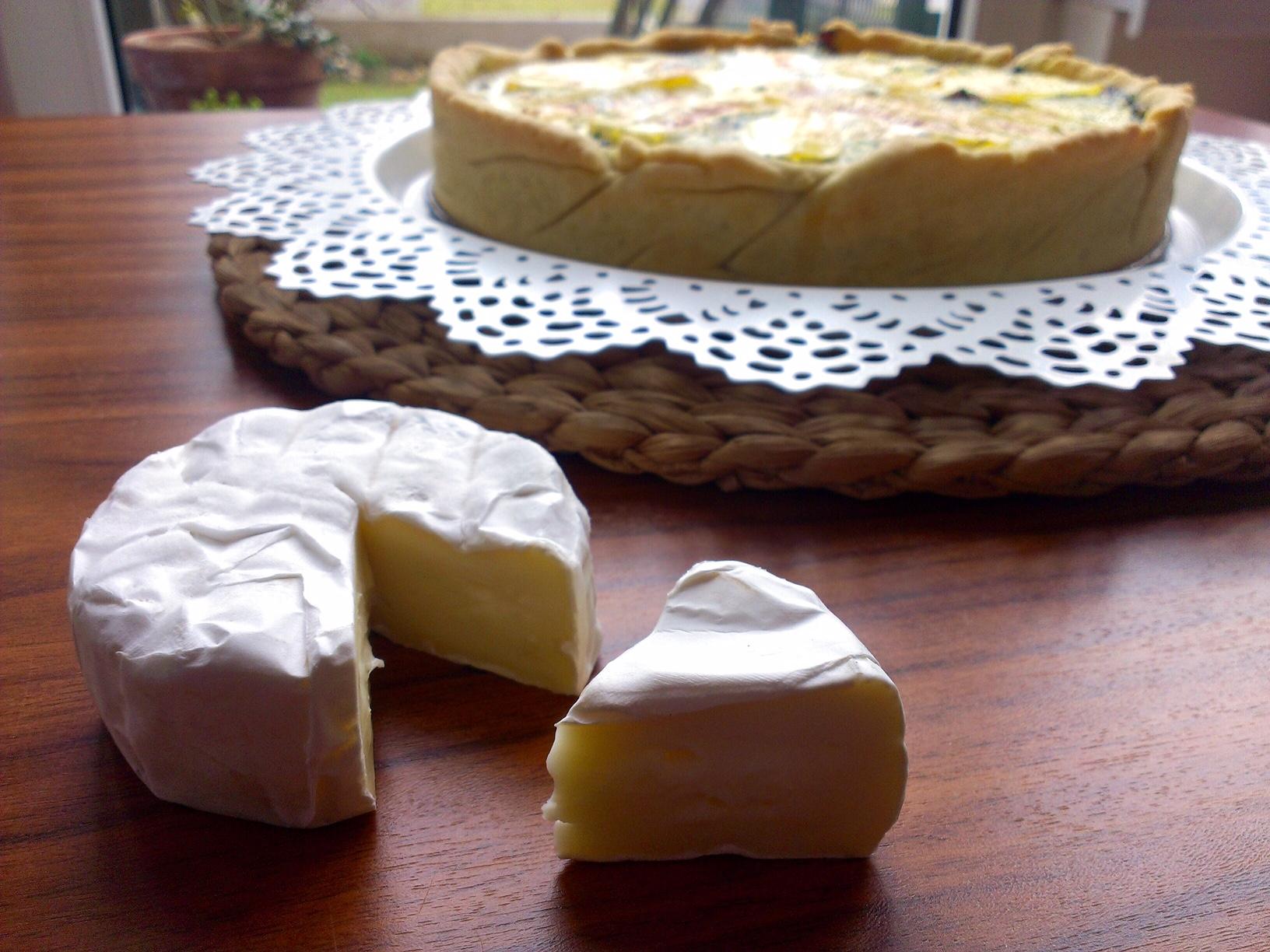 Sýrový koláč se špenátem a slaninou