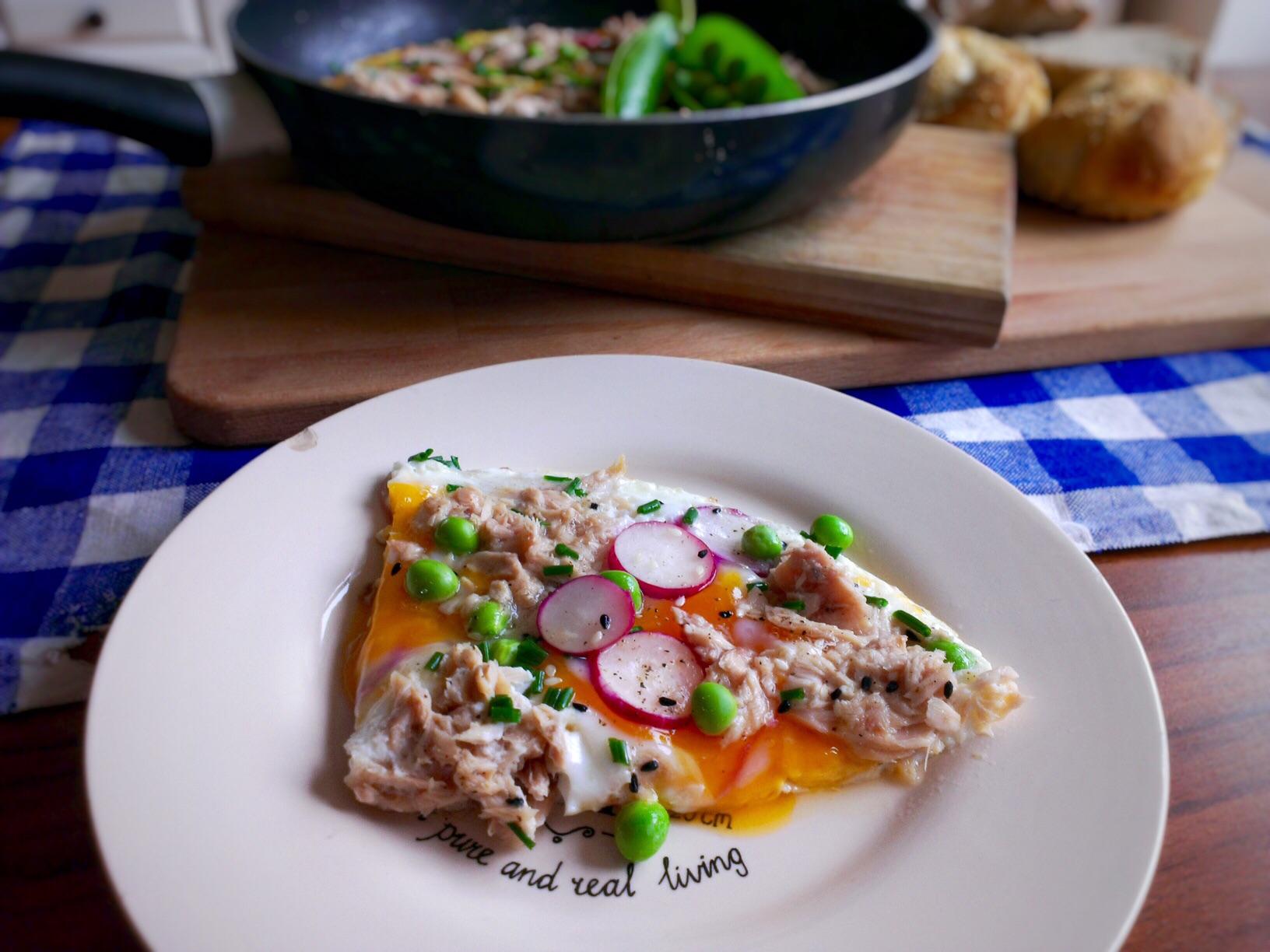 Jarní omeleta s tuňákem